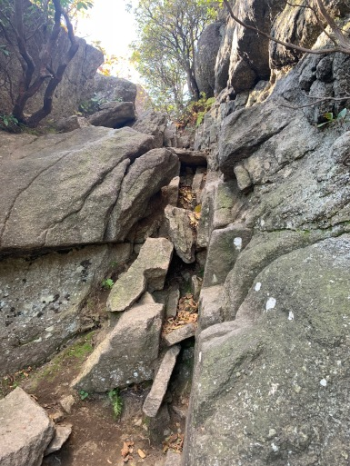 Very small (and easy) sample of the rock scrambling